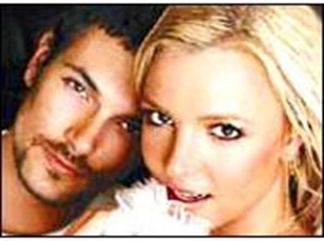 Britney'in ikinci evliliği de yalan